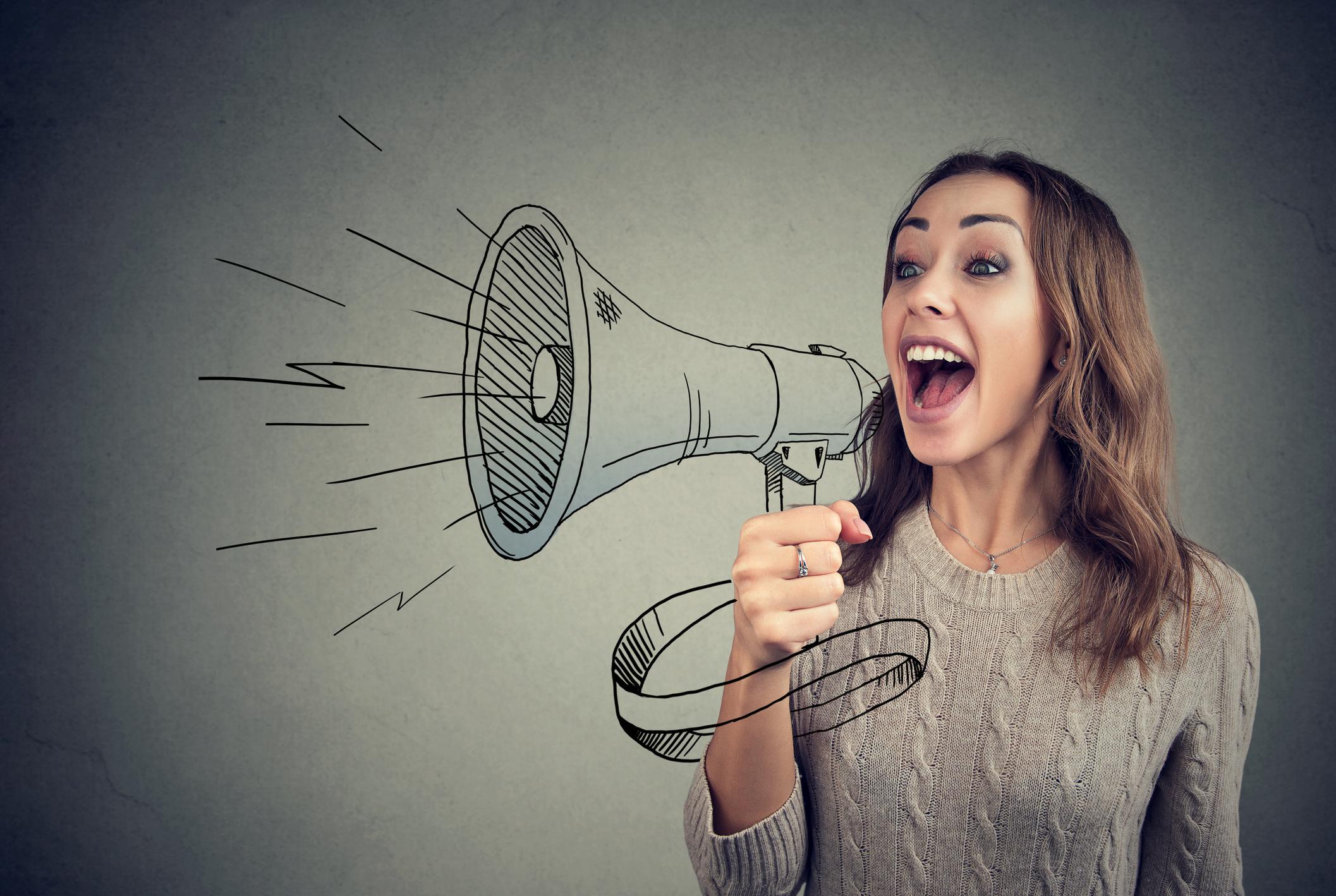 Topluluk içinde konuşmaktan korkuyor musun? İşte iyi yapman için 5 ipucu!